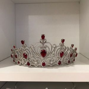 Tiara red and silver